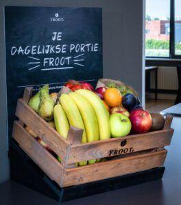 fruitkrat met krijtbord
